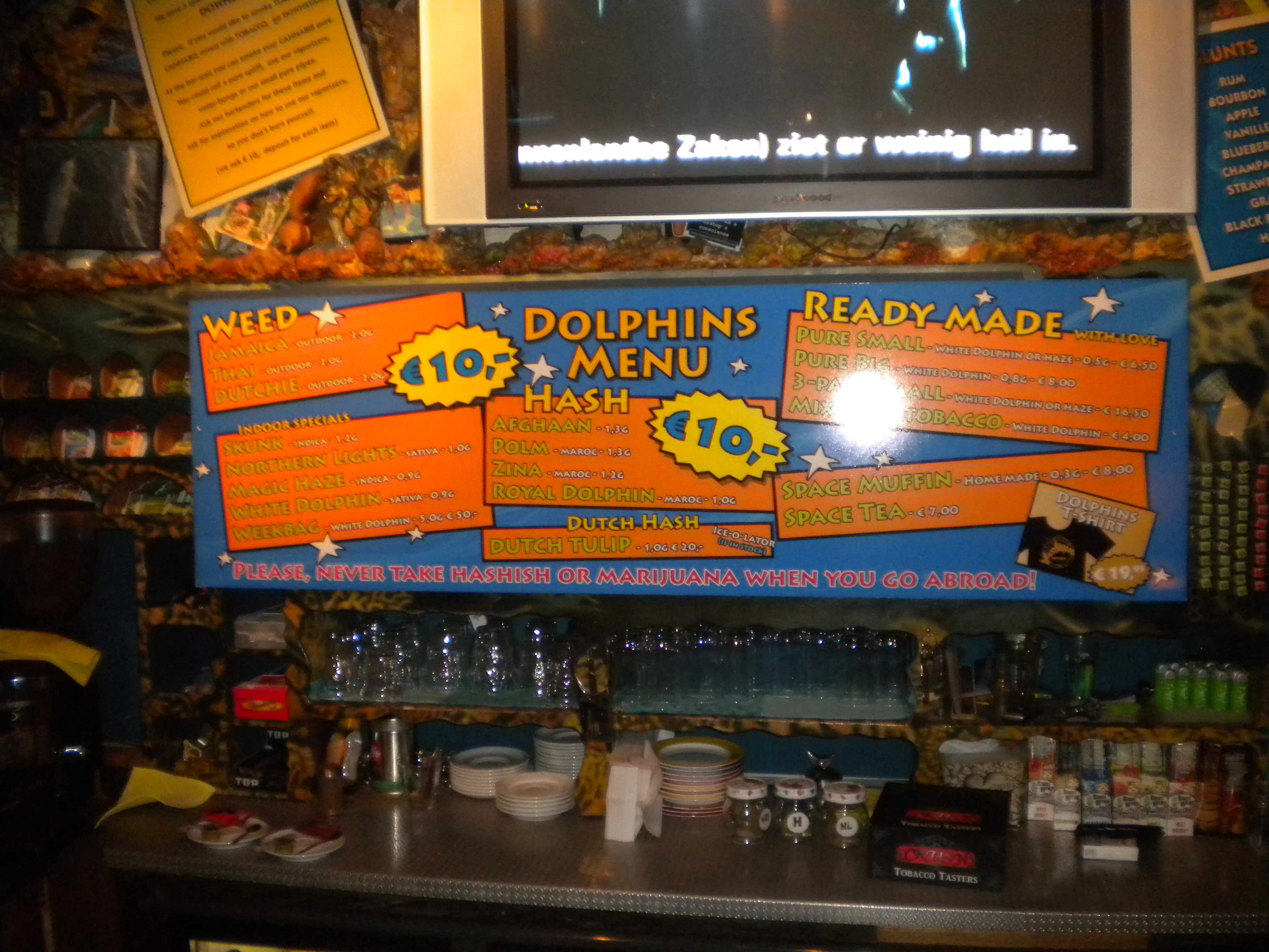 Dolphins Coffeeshop Bar On The Road Again Auto Amp Travel Blog